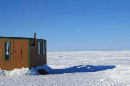 Ice fishing on Lac-St-Jean